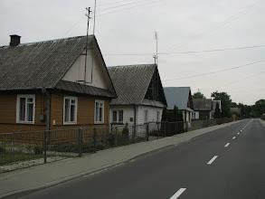 Photo: Słynne drewniane domki w okolicach Sławatycz. Tuż za Bugiem jest Białoruś, kilkaset metrów stąd.