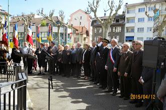 Photo: Minute de silence suivie de la Marseillaise.
