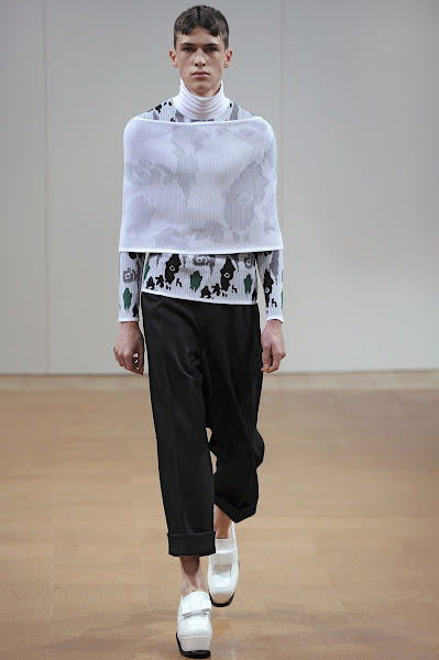 Photo: LOOK TWENTY NINE J.W.ANDERSON AW 2014 MENS SHOW http://www.j-w-anderson.com/1/fall-2014/collection.html