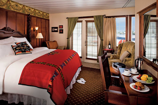 Queen-of-the-West-stateroom.jpg - Cozy staterooms aboard the 120-passenger Queen of the West ensure comfortable trips to Columbia and Snake River destinations.