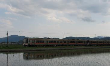 Photo: 2013/05/03 田丸→宮川 間  934Dを待つ間、5911Dの快速みえを撮影