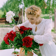 Wedding photographer Lyubov Burakova (Amorrr). Photo of 19.06.2015