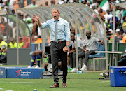 Bafana Bafana coach Stuart  Baxter says he's not getting support.