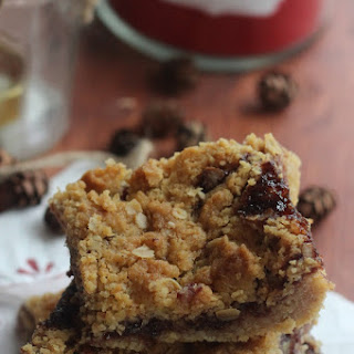 Black Cherry Oatmeal Bars with Cinnamon