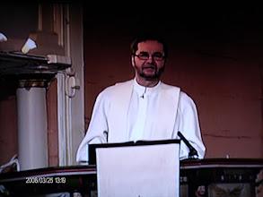 Photo: Pääsiäisen jumalanpalvelus 2008, suora lähetys, kuva TV:n ruudulta.