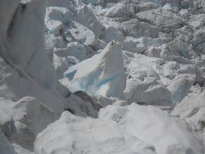 Photo: Detalle del hielo azul