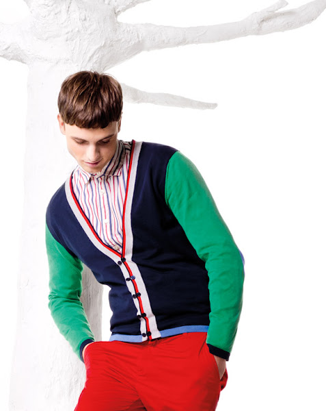 Photo: 15 - Spring Summer 2012 - Advertising Campaign