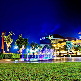 Night shat! :) from thee old camera :) ok pa naman eh :) by Eric Dimaano - City,  Street & Park  Fountains
