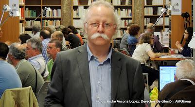 Photo: Joan Boadas, director del Arxiu Municipal de Girona y panorámica de los talleres