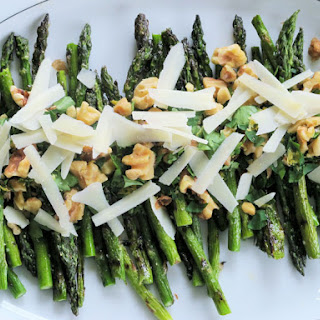 Lemon-Walnut Grilled Asparagus with Parmesan