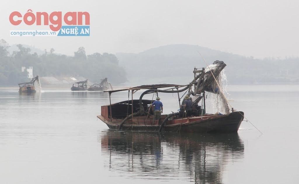 Lưu vực sông Lam, đoạn giáp ranh giữa huyện Đô Lương và Anh Sơn,