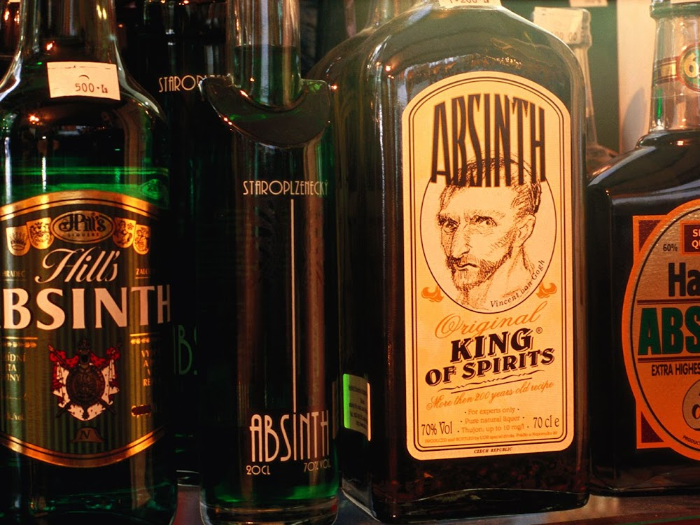 strongest-alcoholic-drinks-in-the_world_absintth_king_of_spirits