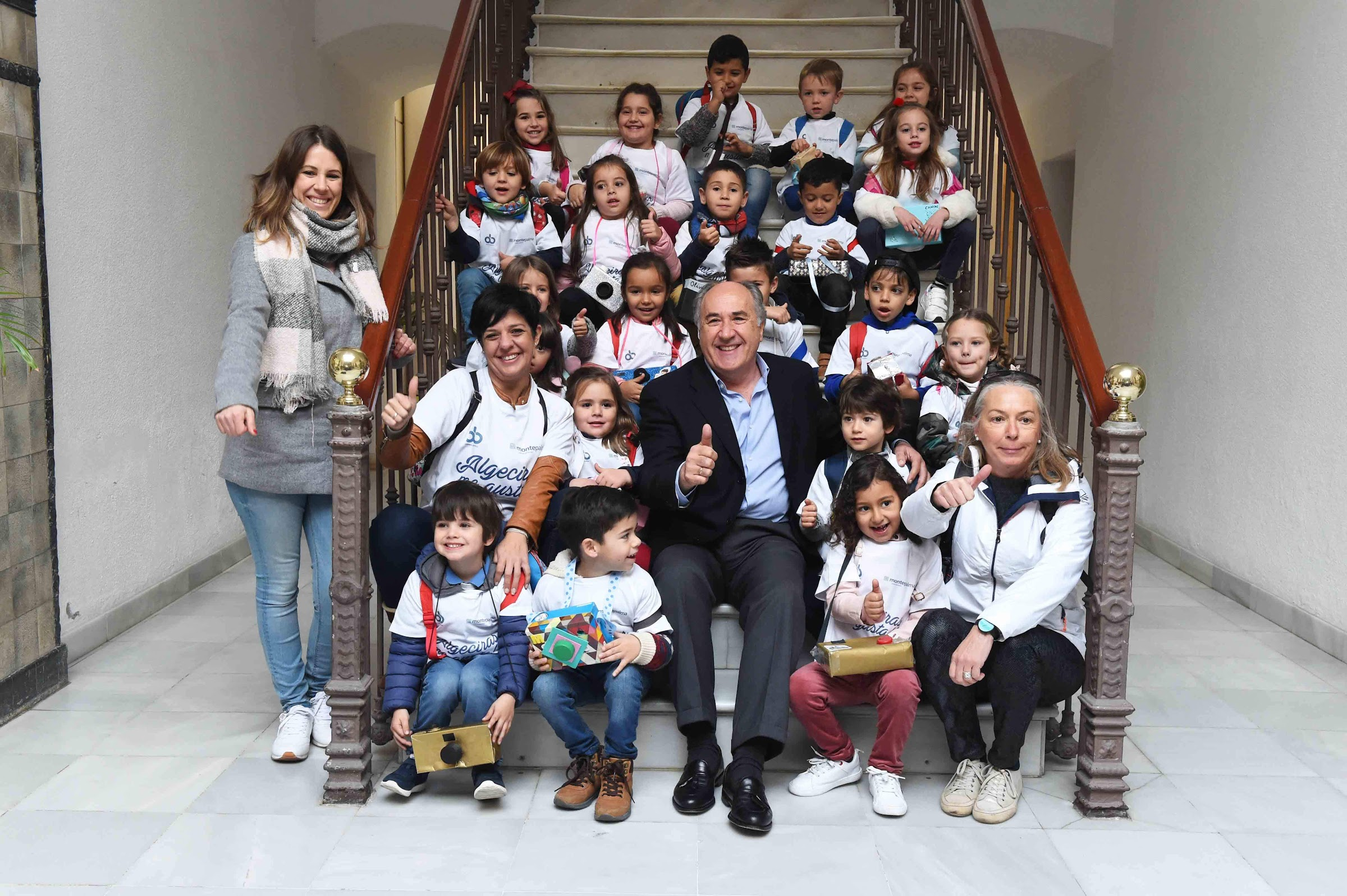 Los alumnos del CEIP San Bernardo visitan el salón de plenos del ayuntamiento