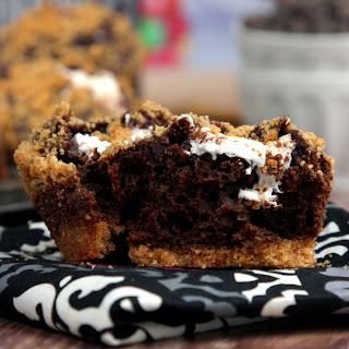 #MuffinMonday – Stuffed S'mores Muffins