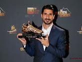 De fans van Antwerp maken van gouden schoen Lior Refaelov ineens Gouden Lior