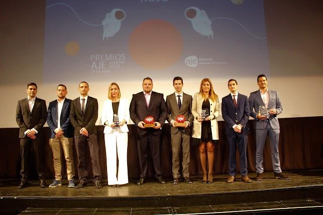 Indaldynamic y Profesional Hosting, con los galardonados, Ayuntamiento de Almería, Grupo Carrida y Construcciones Nila.