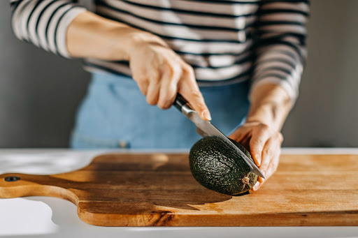 This Magical Avocado Hack Removes the Pit Instantly With Just Your Fingers