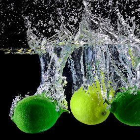 have a break you two.!! by Pete G. Flores - Food & Drink Fruits & Vegetables ( bubbles, food vegetables fruits, water clear strobe, lemon green yellow otep autofocus warer drop splash )