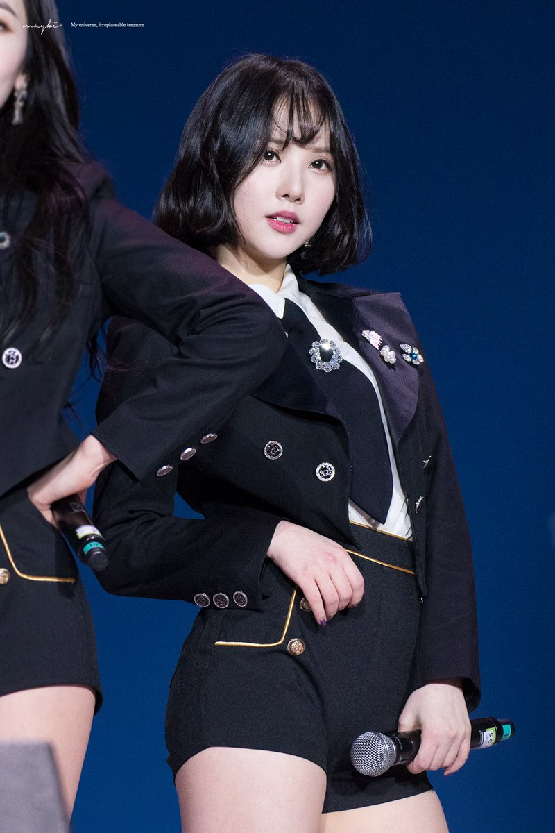 TOP 10 Sexiest Stage Outfits Of The Week (K-Pop Girls)