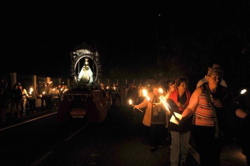 Гигантская паэлья на праздник Богоматери Ангелов (Festividad de la Virgen de los Ángeles).