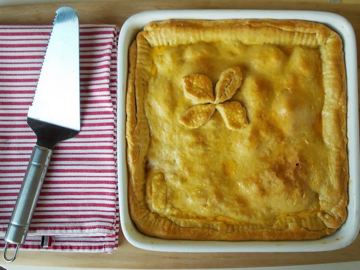 Family Size Chicken and Mozzarella Pie