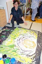 Photo: LIVE PERFORMANCE Vladimir Kiseljov am 4.9.2014. Der Künstler präsentiert sein Werk. Foto: Peter Skorepa