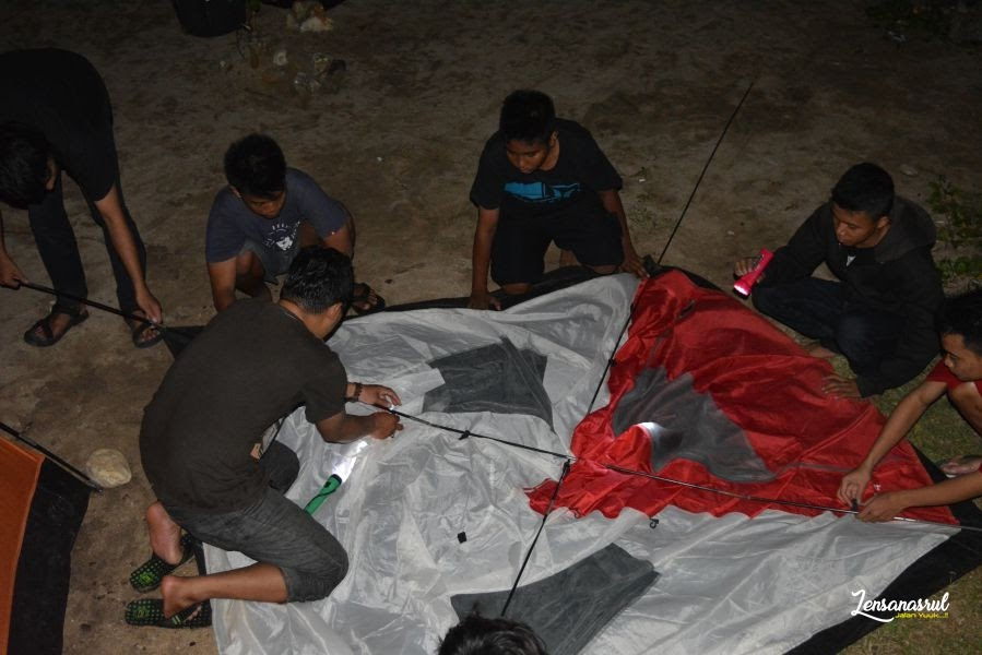 Camping di Pantai Ngrumput