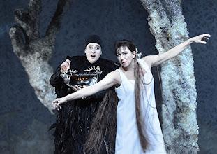 Photo: RUSALKA an der Wiener Staatsoper: Inszenierung Sven Eric Bechtolf. Premiere 26.1.2014. Janina Baechle, Krassimira Stoyanova. Foto: Barbara Zeininger