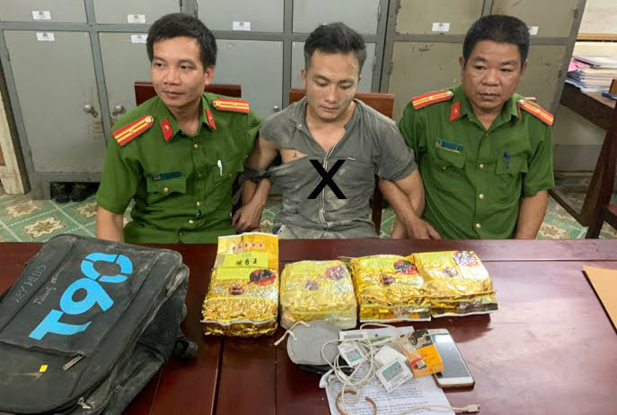 Công an huyện Kỳ Sơn phá thành công Chuyên án 919D, bắt giữ đối tượng Lầu Bá Tủa (X) về hành vi Vận chuyển trái phép chất ma túy, thu giữ 4 kg ma túy đá