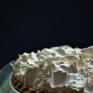 Mr Meringue Makes a Mean (Lemon!) Pie.