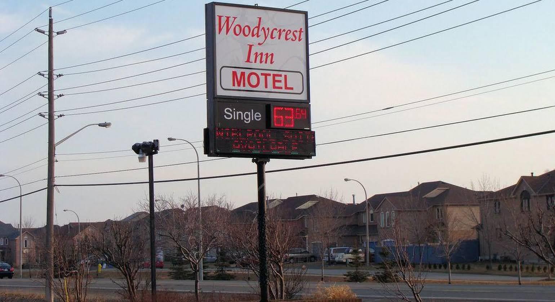 Woodycrest Motel