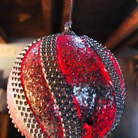 Red Glow by Debra Rebro - Public Holidays Christmas (  )