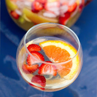 The Tastiest (& easiest) White Sangria & Virgin Sangria