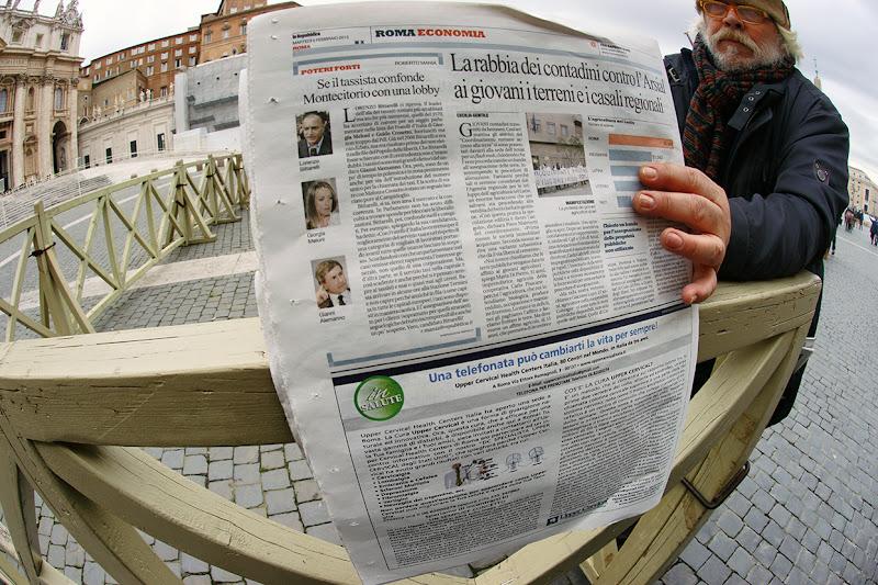 Anche a San Pietro si Leggono i quotidiani di cesare carusio