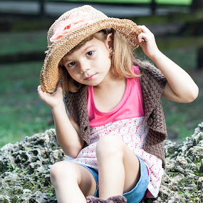 by Ugo Lora - Babies & Children Child Portraits ( megan, nature, park, outdoors, portraits,  )
