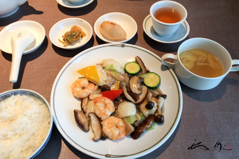 魚介と彩り野菜の塩味炒め