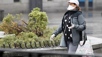 Las mascarillas no protegen frente al virus en la calle.