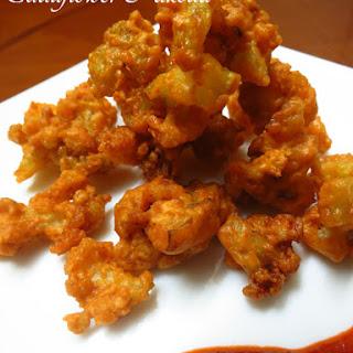 Cauliflower Pakoda (Gobi Pakora).