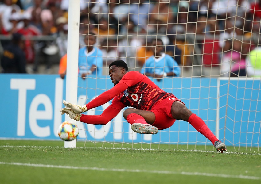Davids says they expect Akpeyi to be in goal for Chiefs against Pirates' not Khune - SowetanLIVE