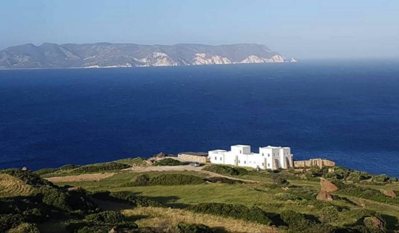 Maison avec piscine en bord de mer Milos