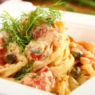 Pasta mit Spargel und Räucherlachs