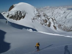 Photo: Il Monte Pasquale sfila al nostro fianco