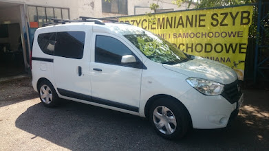 Photo: przyciemnianie szy w samochodzie Dacia