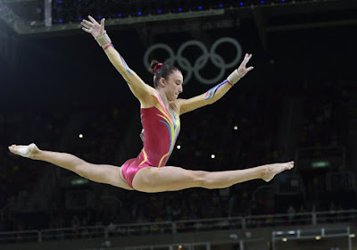 """Derwael schreef nu al geschiedenis: """"Als ze haar oefening doet zoals het hoort, pakt ze een medaille"""""""