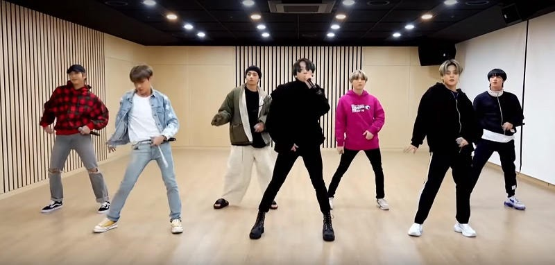 Bts performedBoy with Luv i HOME FEST