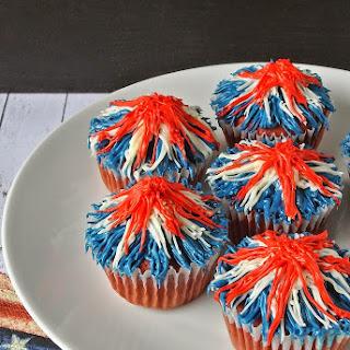 Memorial Day firework cupcakes.