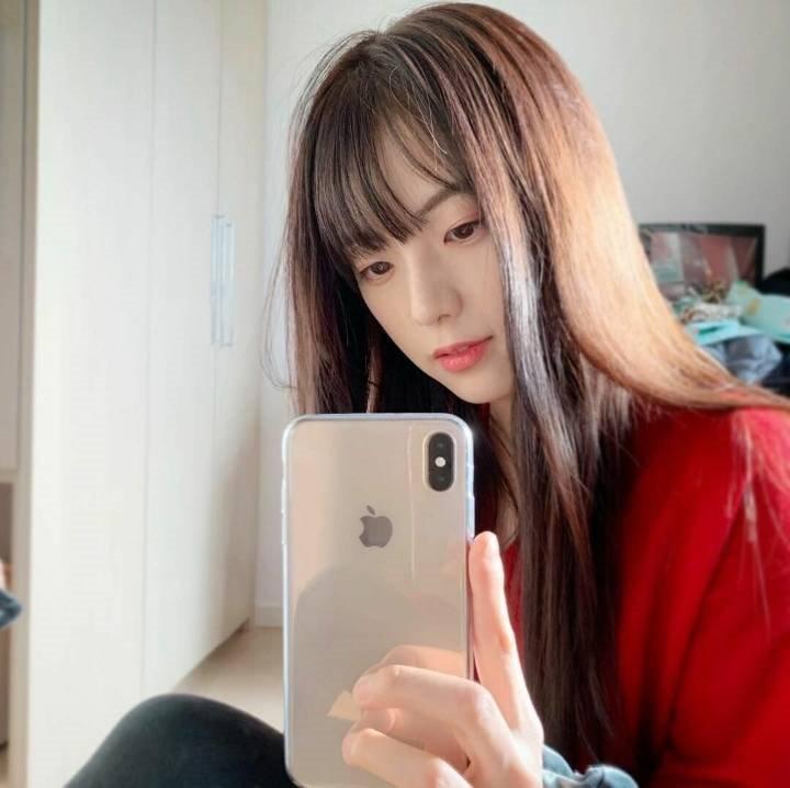 Jisoos-older-sister-2