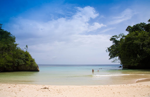 Jamaica-Port-Antonio-Frenchmans-Cove.jpg - Find some sunny solitude at Frenchman's Cove near Port Antonio, Jamaica.