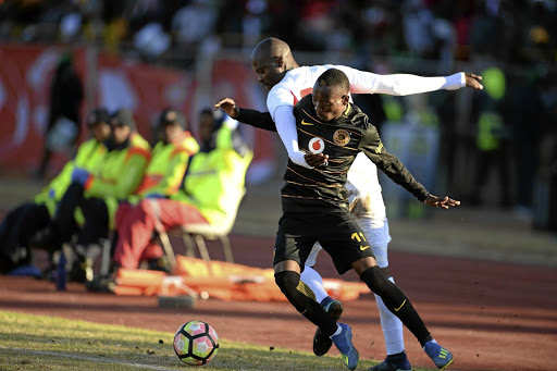 Free State Stars defender Rooi Mahamutsa and Kaizer Chiefs' Khama Billiat battle it out in the Maize Cup final on Saturday won by Amakhosi.