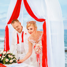 Wedding photographer Katerina Romanova (lolh). Photo of 09.02.2018
